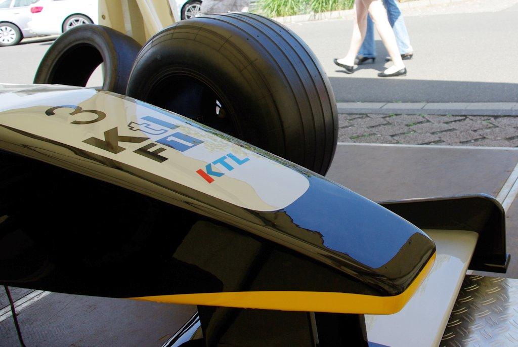 F1 Fahrsimulator schwarz