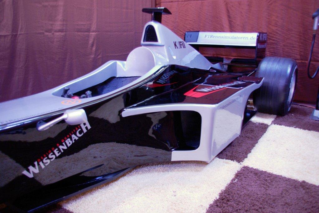 F1 Fahrsimulator schwarz silber