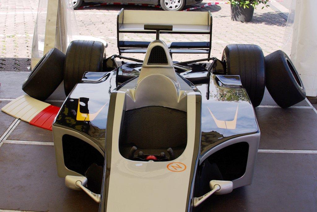 F1 Fahrsimulator silber