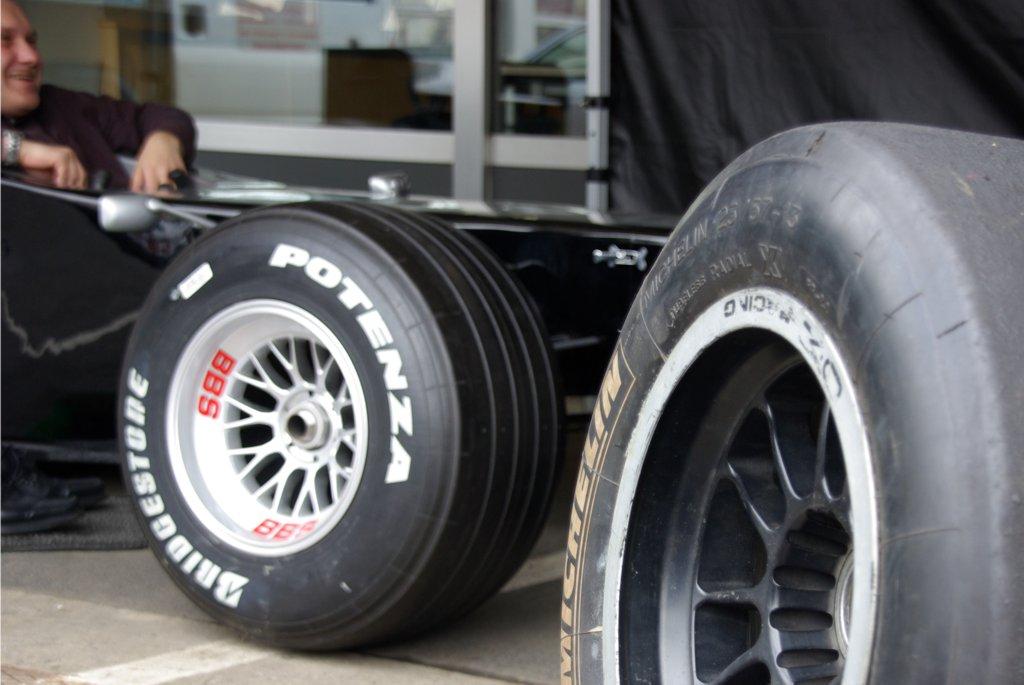 Formel 1 Rennsimulator schwarz silber