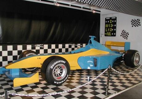 f1 simulator blau gelb renault